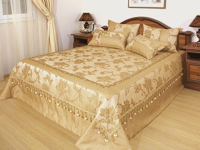 Дизайн покрывала в спальню